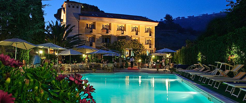 Hotel Con Piscina Caserta
